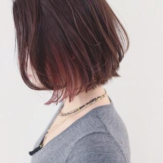 外国人風カラー ピンク ボブ 切りっぱなし ヘアスタイルや髪型の写真・画像