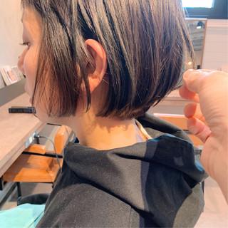 アウトドア ショートヘア ショートボブ ナチュラル ヘアスタイルや髪型の写真・画像