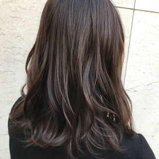 グレージュ アッシュグレージュ ナチュラル ミディアム ヘアスタイルや髪型の写真・画像 ヘアスタイルや髪型の写真・画像