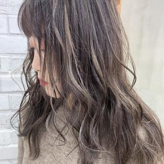 セミロング ナチュラル ショートヘア ベリーショート ヘアスタイルや髪型の写真・画像