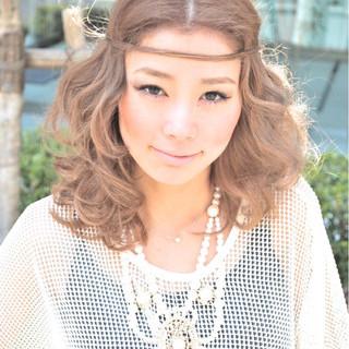 ガーリー 簡単ヘアアレンジ 外国人風 フェミニン ヘアスタイルや髪型の写真・画像