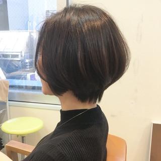 オフィス 小顔 大人女子 ショート ヘアスタイルや髪型の写真・画像