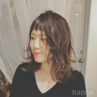 前髪あり ナチュラル ゆるふわ オフィス ヘアスタイルや髪型の写真・画像 ヘアスタイルや髪型の写真・画像