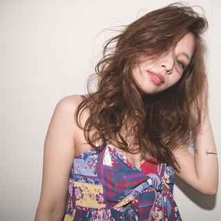 セミロング アッシュ アンニュイ 外国人風 ヘアスタイルや髪型の写真・画像