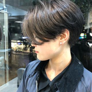 ショートヘア ショートボブ グレージュ 簡単スタイリング ヘアスタイルや髪型の写真・画像 ヘアスタイルや髪型の写真・画像