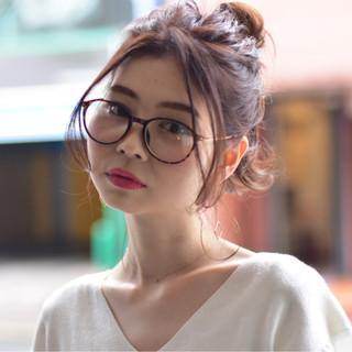 ミディアム お団子 ハイトーン ヘアアレンジ ヘアスタイルや髪型の写真・画像