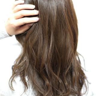 ナチュラル 外国人風カラー ロング アッシュグレージュ ヘアスタイルや髪型の写真・画像