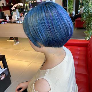 ショート ネイビーブルー モード ショートヘア ヘアスタイルや髪型の写真・画像