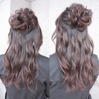デート ハーフアップ ヘアアレンジ 結婚式 ヘアスタイルや髪型の写真・画像