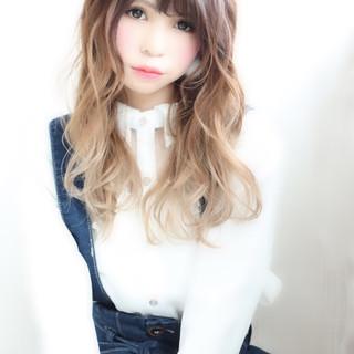 フェミニン ロング バイヤレージュ グラデーションカラー ヘアスタイルや髪型の写真・画像
