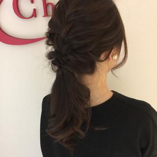 女子会 セミロング ローポニーテール アウトドア ヘアスタイルや髪型の写真・画像 ヘアスタイルや髪型の写真・画像