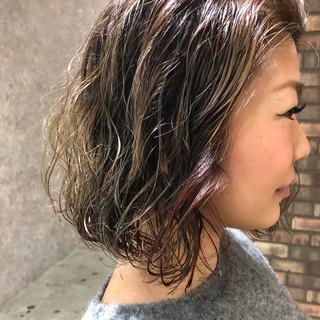 ダメージレス ナチュラル ブリーチ必須 インナーカラー ヘアスタイルや髪型の写真・画像