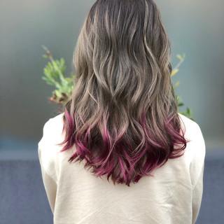 フェミニン 透明感 外国人風カラー ブリーチ ヘアスタイルや髪型の写真・画像