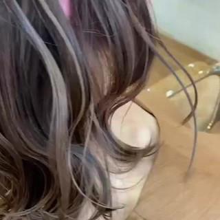 ハイライト ナチュラル ベージュ ミディアム ヘアスタイルや髪型の写真・画像