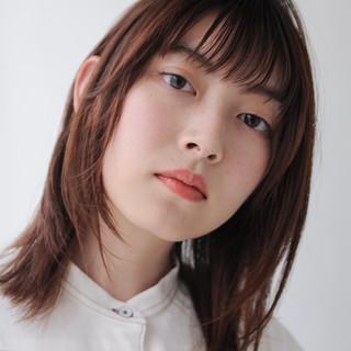 ミディアムレイヤー ナチュラル 透け感ヘア ミディアム ヘアスタイルや髪型の写真・画像