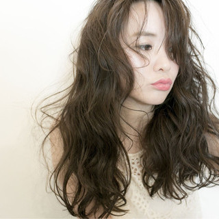 アンニュイ フェミニン リラックス デート ヘアスタイルや髪型の写真・画像