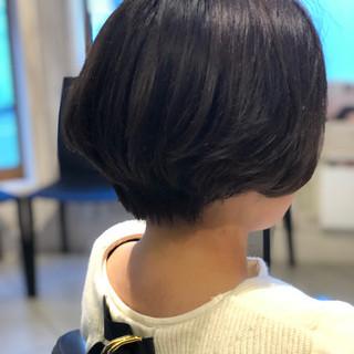 大人女子 ボブ 前下がり イルミナカラー ヘアスタイルや髪型の写真・画像