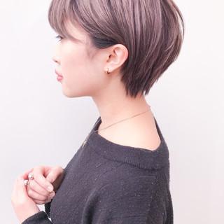 ショート アンニュイほつれヘア 横顔美人 コンサバ ヘアスタイルや髪型の写真・画像