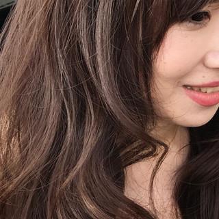 大人かわいい ミルクティー 外国人風 アッシュ ヘアスタイルや髪型の写真・画像