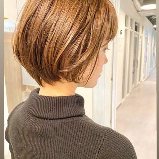 ナチュラル デート ショートヘア 大人かわいい ヘアスタイルや髪型の写真・画像
