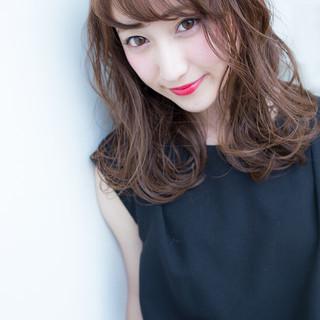 フェミニン 大人かわいい ナチュラル セミロング ヘアスタイルや髪型の写真・画像