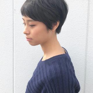丸みショート 暗髪 ショート 大人かわいい ヘアスタイルや髪型の写真・画像 ヘアスタイルや髪型の写真・画像