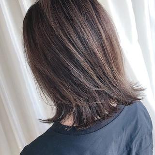 暗髪 3Dハイライト ハイライト ミディアム ヘアスタイルや髪型の写真・画像