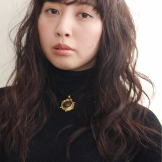 大人かわいい ナチュラル 外国人風 暗髪 ヘアスタイルや髪型の写真・画像