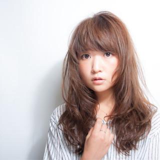小顔 秋 ウェーブ 大人女子 ヘアスタイルや髪型の写真・画像