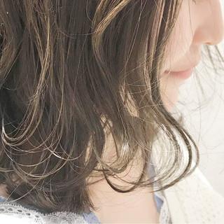 ブラウンベージュ ボブ ガーリー ハイライト ヘアスタイルや髪型の写真・画像