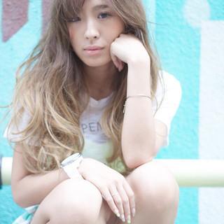 渋谷系 ガーリー グラデーションカラー ロング ヘアスタイルや髪型の写真・画像