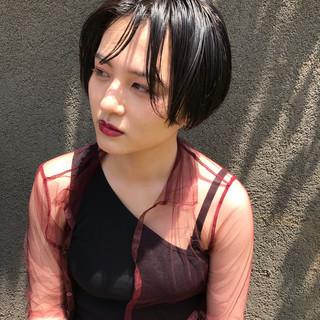 簡単スタイリング 黒髪 ウェット感 ナチュラル ヘアスタイルや髪型の写真・画像