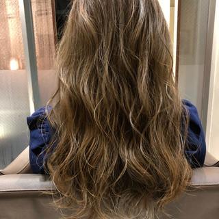 オフィス デート グラデーションカラー エレガント ヘアスタイルや髪型の写真・画像