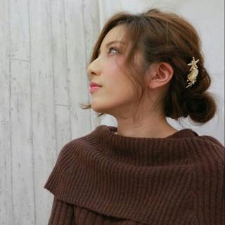 ヘアアレンジ ナチュラル セミロング 大人女子 ヘアスタイルや髪型の写真・画像