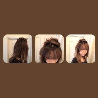 ねじり 丸顔 ナチュラル ゆるふわ ヘアスタイルや髪型の写真・画像