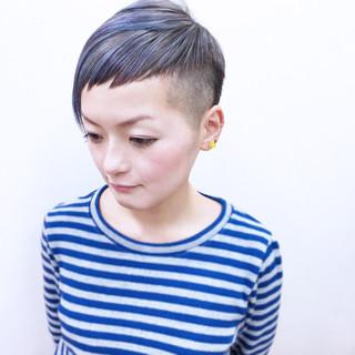 かっこいい ハイトーン 刈り上げ モード ヘアスタイルや髪型の写真・画像