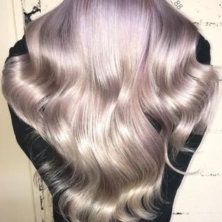 モード グレージュ ロング ホワイト ヘアスタイルや髪型の写真・画像 ヘアスタイルや髪型の写真・画像