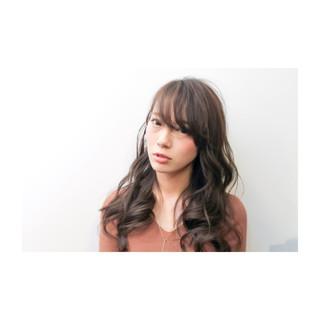 ロング グレージュ 大人かわいい フェミニン ヘアスタイルや髪型の写真・画像