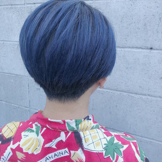ショート ネイビーブルー ストリート 刈り上げ女子 ヘアスタイルや髪型の写真・画像