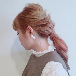 簡単ヘアアレンジ ピンクアッシュ ベージュ ナチュラル ヘアスタイルや髪型の写真・画像