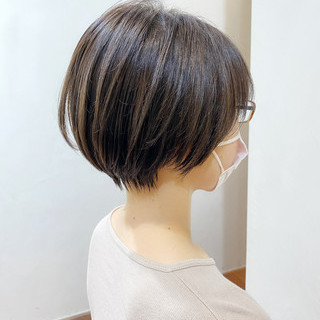 ショートヘア ショートボブ アンニュイほつれヘア ナチュラル ヘアスタイルや髪型の写真・画像