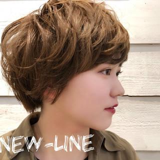 ベージュ 外国人風カラー 3Dハイライト ヘアアレンジ ヘアスタイルや髪型の写真・画像 ヘアスタイルや髪型の写真・画像