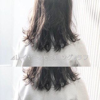 セミロング アッシュグレージュ ナチュラル グレージュ ヘアスタイルや髪型の写真・画像
