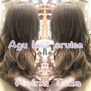 外国人風 グレージュ セミロング フェミニン ヘアスタイルや髪型の写真・画像