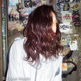 ミディアム ウェーブ 暗髪 ストレート ヘアスタイルや髪型の写真・画像