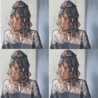 ゆるふわ 結婚式 ヘアアレンジ セミロング ヘアスタイルや髪型の写真・画像