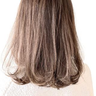 フェミニン アッシュグレージュ グレージュ ボブ ヘアスタイルや髪型の写真・画像