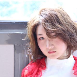 サイドアップ 透明感 ハイトーン ガーリー ヘアスタイルや髪型の写真・画像