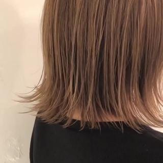 エレガント ハイライト デート グレージュ ヘアスタイルや髪型の写真・画像