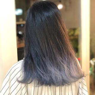 ストリート セミロング ホワイトアッシュ 裾カラー ヘアスタイルや髪型の写真・画像